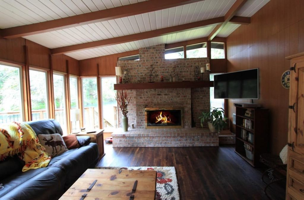 Before: Living room of River Cabaan by Karie Higgins and Lee Gibson
