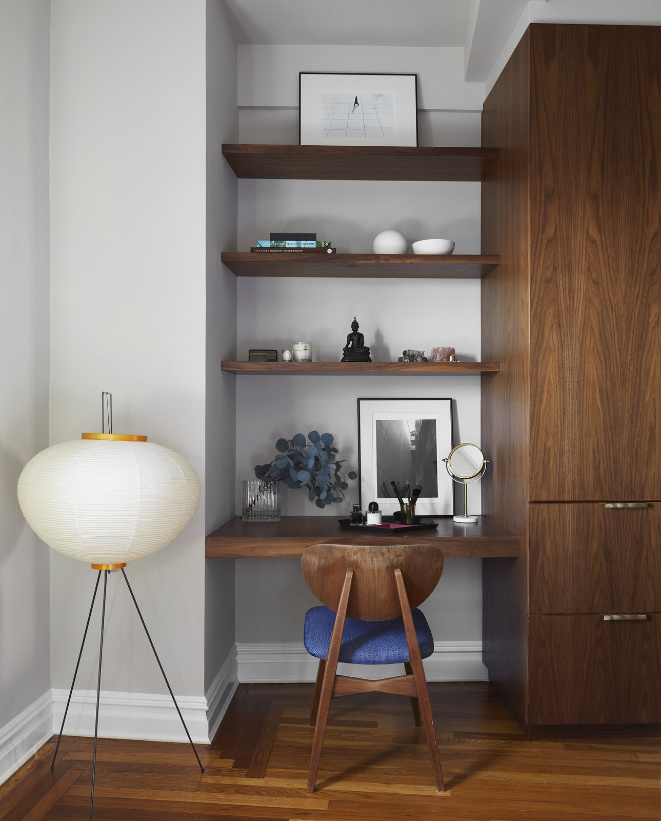 Office nook in Eastern Parkway by Frederick Tang Architecture