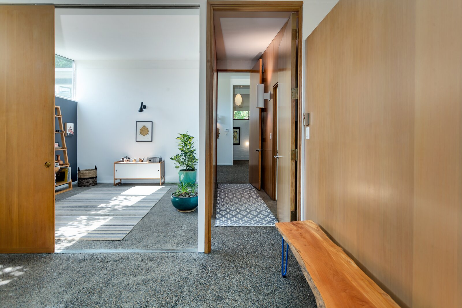 Principal suite in Smith-Gerst Residence by Frank Shell