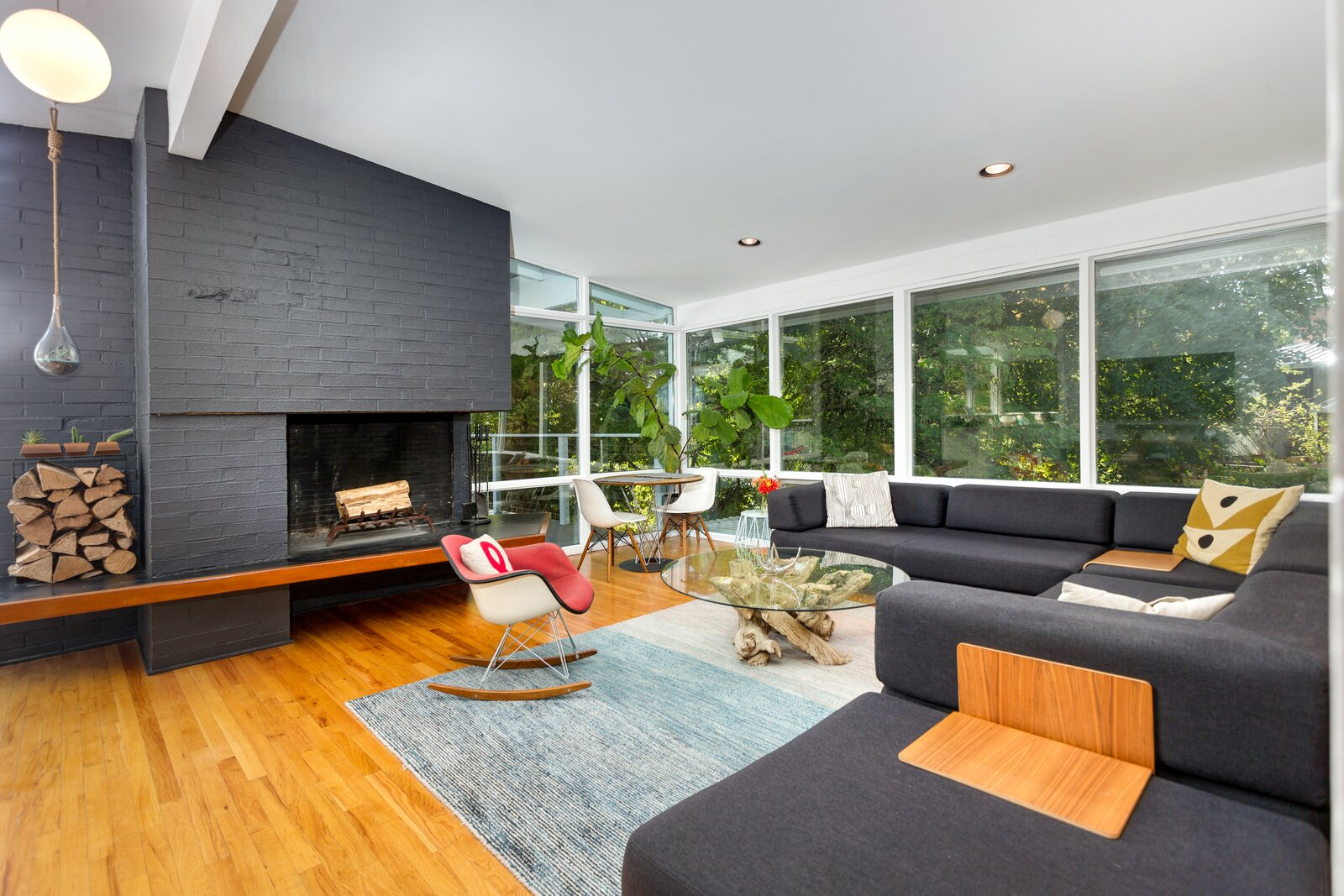 Living area in Smith-Gerst Residence by Frank Shell