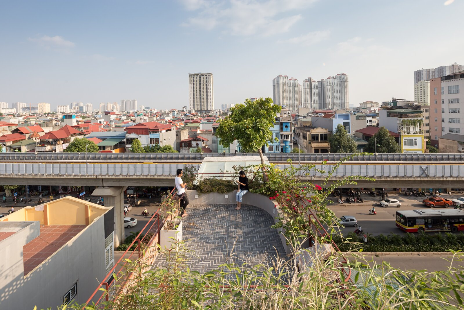 Roof deck of CH House by ODDO architects