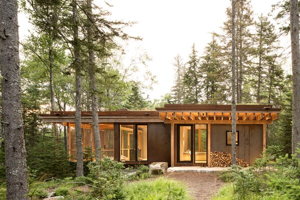 Winkelman Architecture delivers grown-up summer-camp vibes with this unassuming retreat on the coast of Maine.