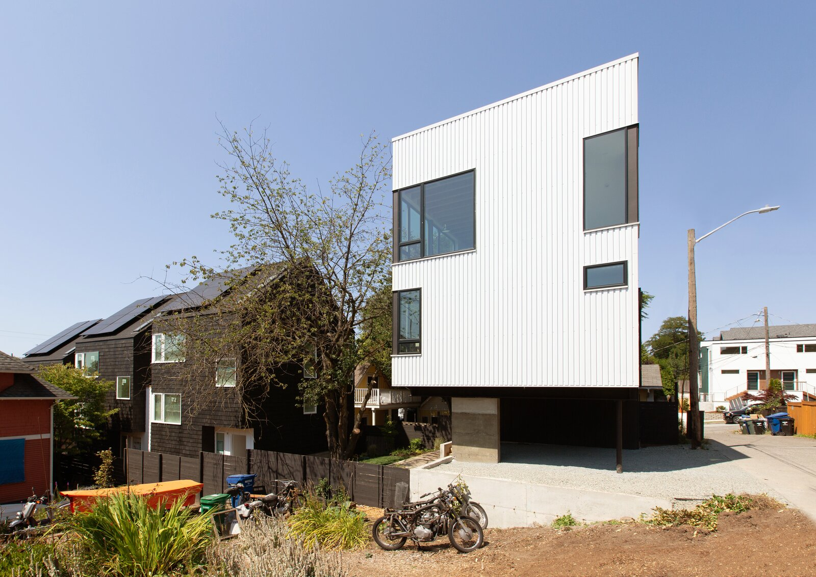 Exterior of The Lookout by Hybrid Architecture