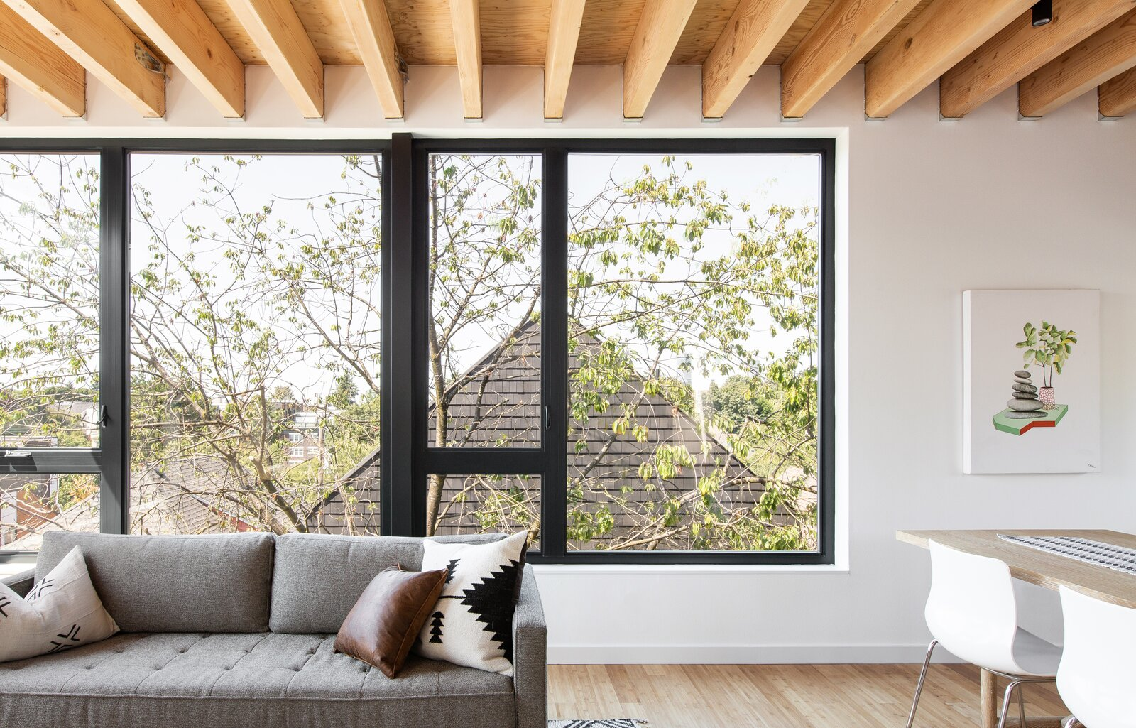 Living area in The Lookout by Hybrid Architecture