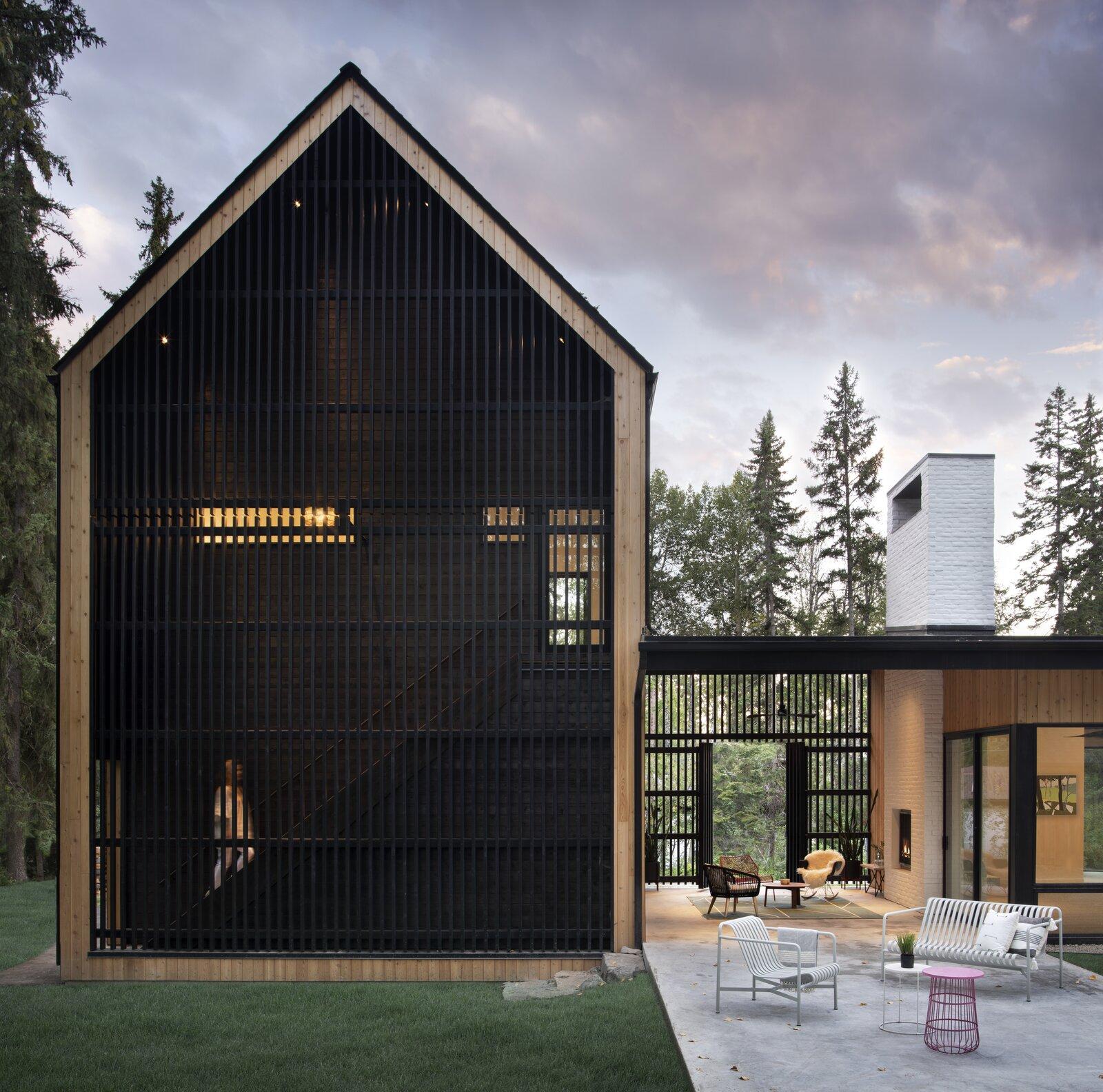 Backyard of Twin Peaks by Workaday Design