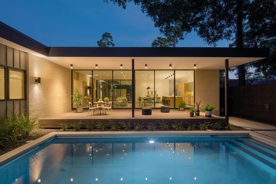 Back yard  Pavilion Haus by studioMET architects