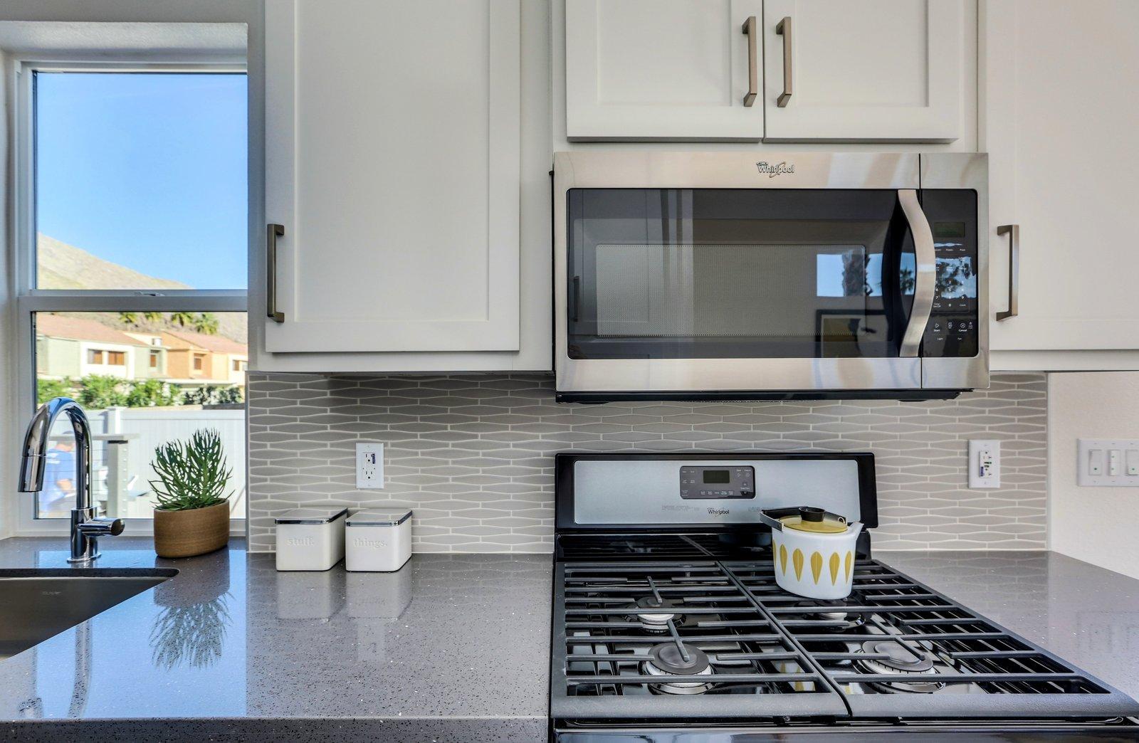 Quartz Counter tops, custom back splash - Palm Canyon Mobile Club  Tiny Homes in Palm Springs