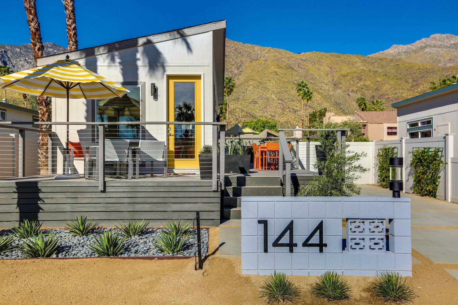Tiny Homes In Palm Springs Modern Home In Palm Springs
