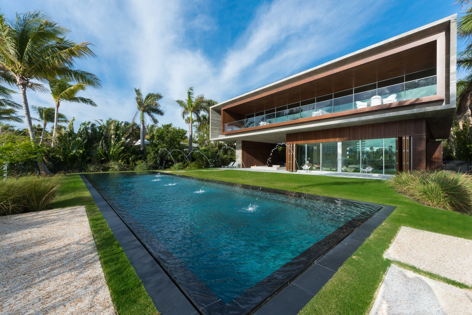 Pine Tree North Modern Home In Miami Beach Florida By