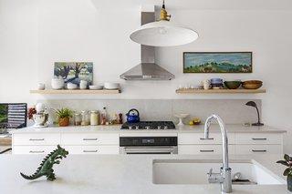 7 Effective Tips For Integrating Open Kitchen Shelving