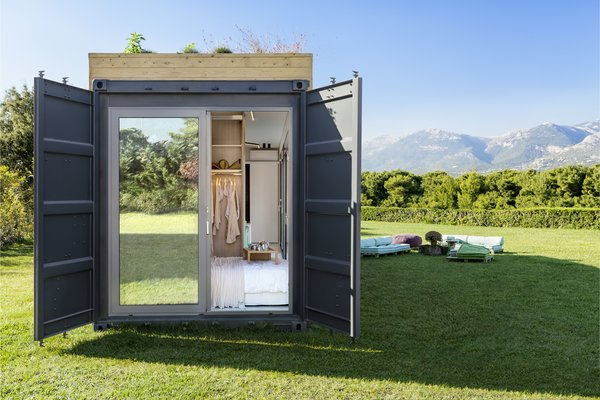 Beautifully designed, these mobile structures are composed of high-quality materials at a more budget-friendly price, along with transportable, easy-to-assemble components.