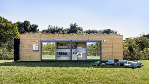 This Eco-Friendly Shipping Container Is the Ultimate Nomadic Dwelling