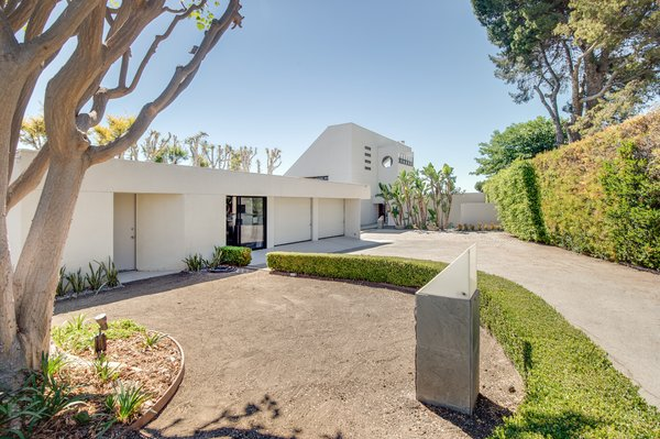 Futuristic 'Star Trek' Home Hits the Market in Malibu For $5.7M