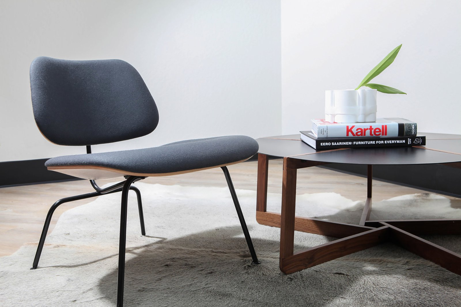 YDesign office Eames chair