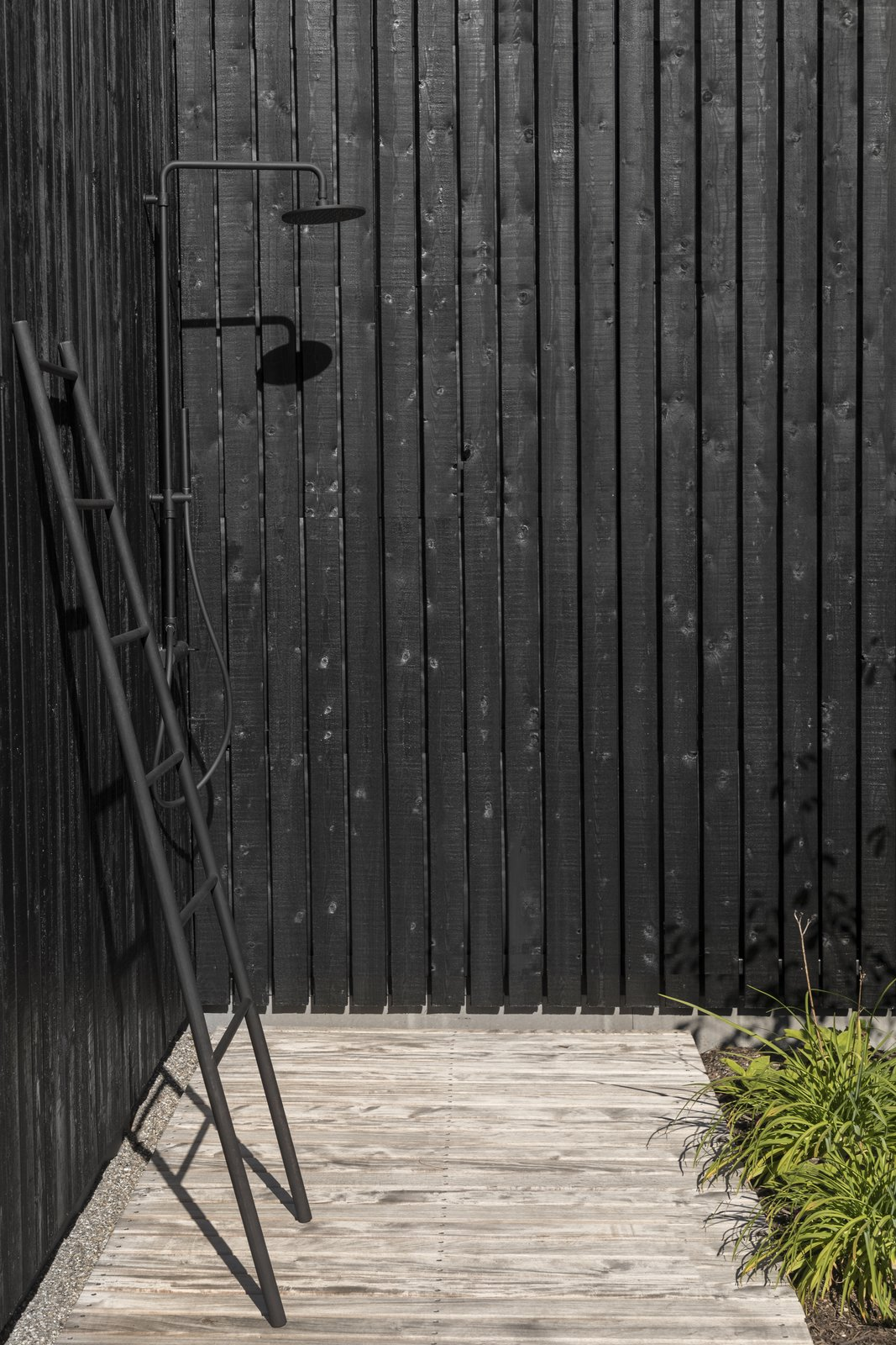 tiny holiday home outdoor shower