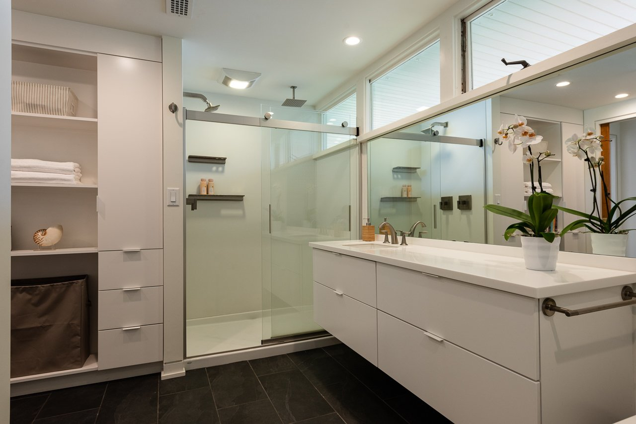 Stone Throw Edward Durell Stone Midcentury Home bathroom