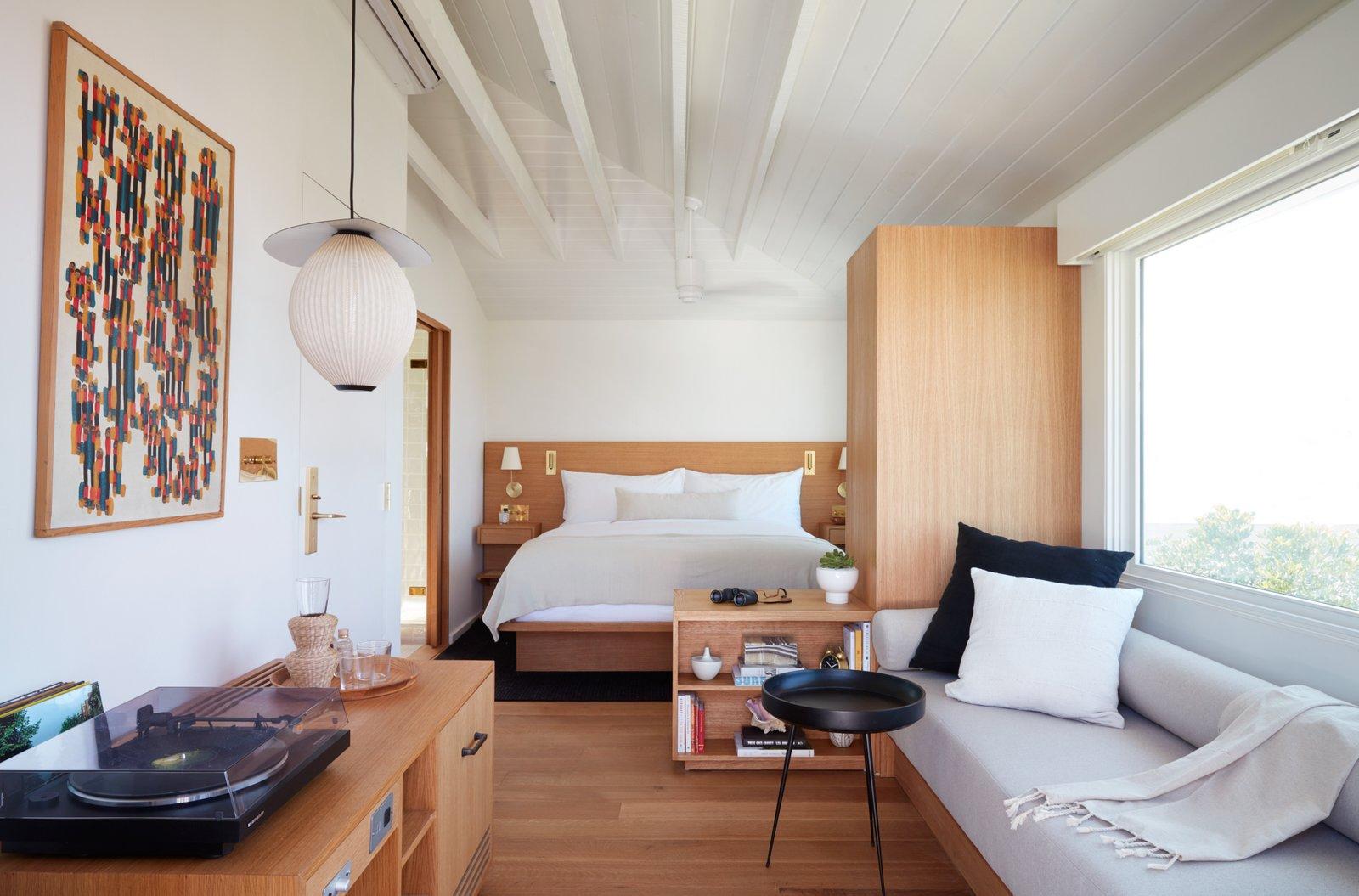 Hotel Joaquin La Vue guest room