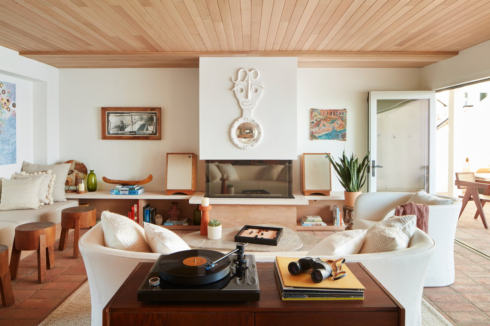 A New Southern California Hotel Serves Up Retro Beach Vibes