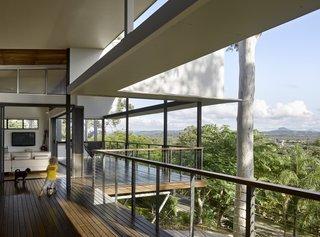Breezeways and verandas provide external circulation between living spaces.
