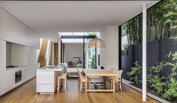 Like its Moniker, Cloud House in Bondi Beach Feels Light as Air