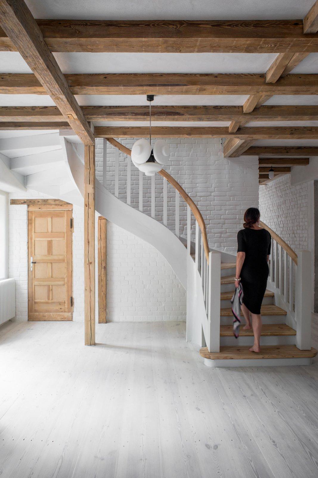 Loft Kolasiński curved staircase