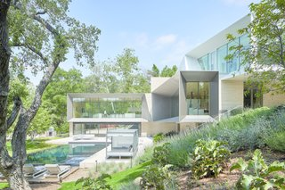 This Secluded SoCal Residence Makes a Grand Statement on a Sloping Site
