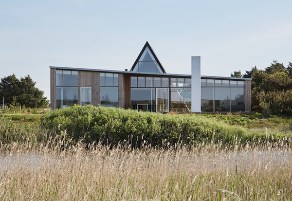 "This Danish ""Light House"" Radically Reinterprets the Classic A-Frame"