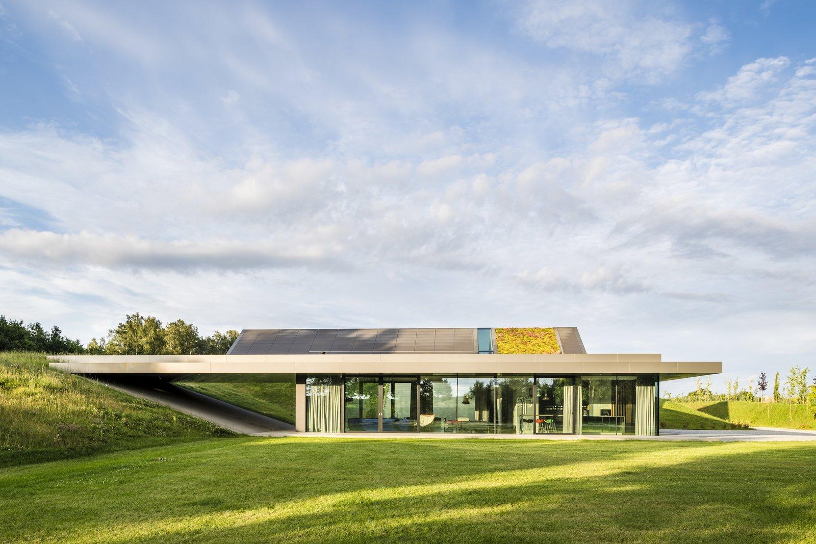 Green Line by Mobius Architekci