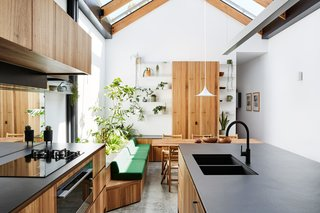 A Flourishing Garden Grows Inside This Glass-Roofed Melbourne Victorian