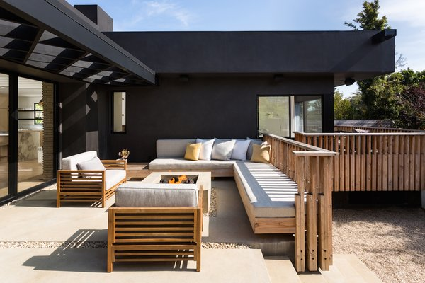 Patio with gas firepit