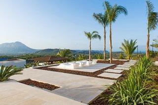 Outdoor terrasses
