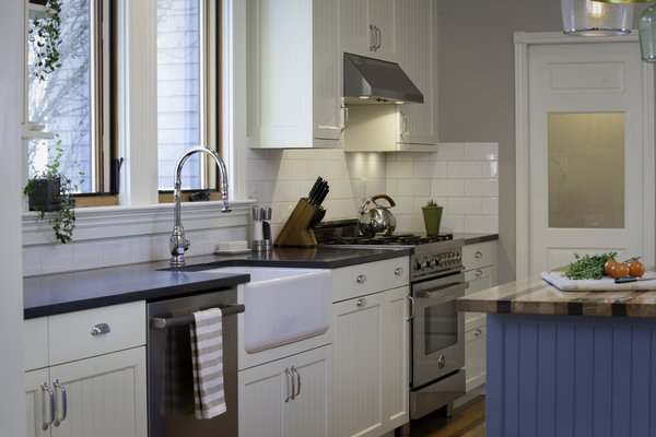 Photo 5 of 11 in Traditional Kitchen by Feldon Design - Dwell
