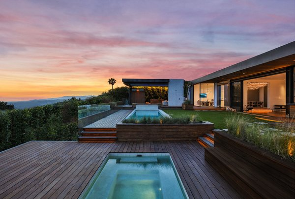Trousdale Place Residence