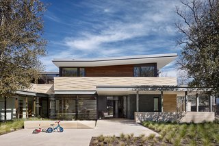 Local limestone, ample daylighting, natural ventilation and deep overhangs serve to connect the house to its context through its materiality and ease of opening up the exterior.