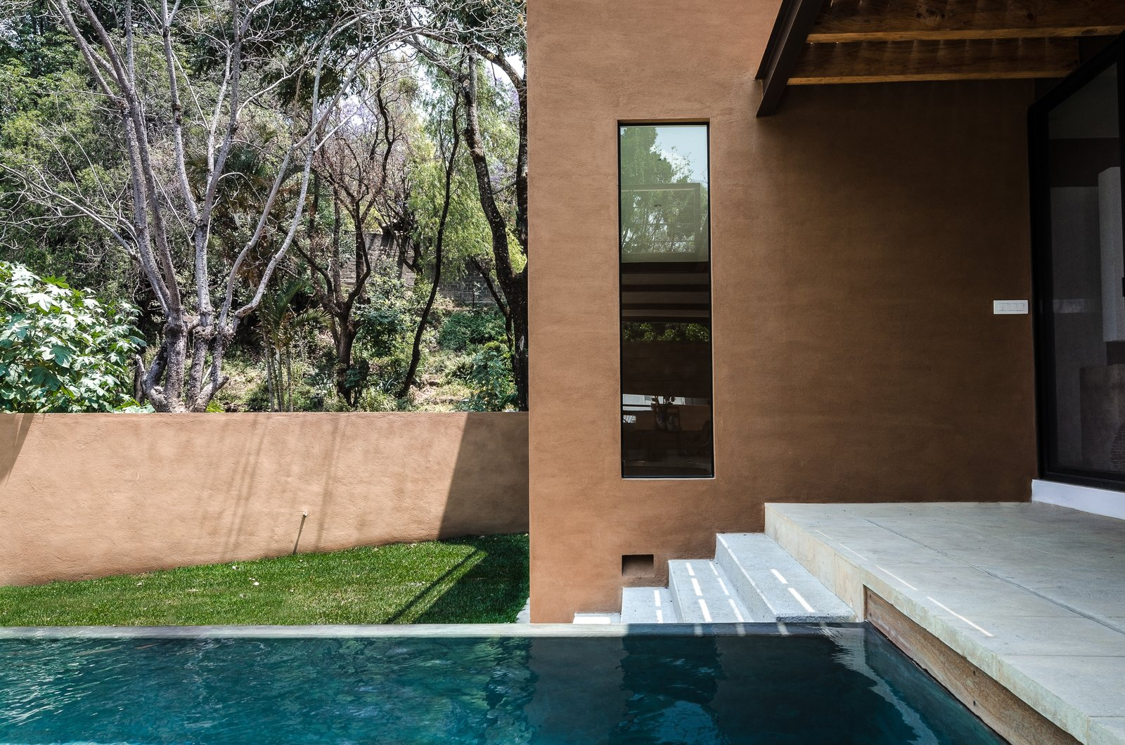 Outdoor, Infinity Pools, Tubs, Shower, Small Pools, Tubs, Shower, Concrete Pools, Tubs, Shower, Trees, and Back Yard Swimming pool and studio  CQ12 by tescala