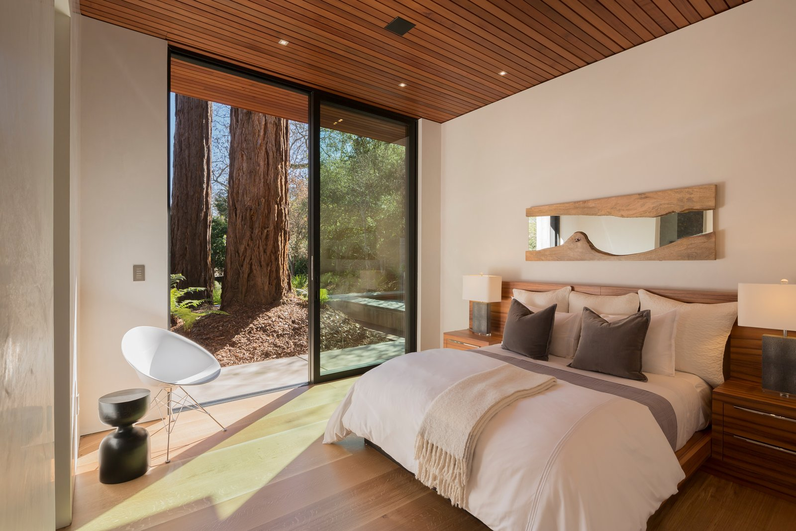 Guest Bedroom - Easy access to spa and lower decks  Ross Modern