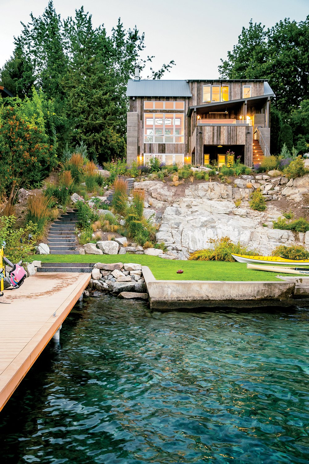 Outdoor, Shrubs, Back Yard, Wood Patio, Porch, Deck, Trees, and Grass Lake Chelan  Lake Chelan by Hoedemaker Pfeiffer