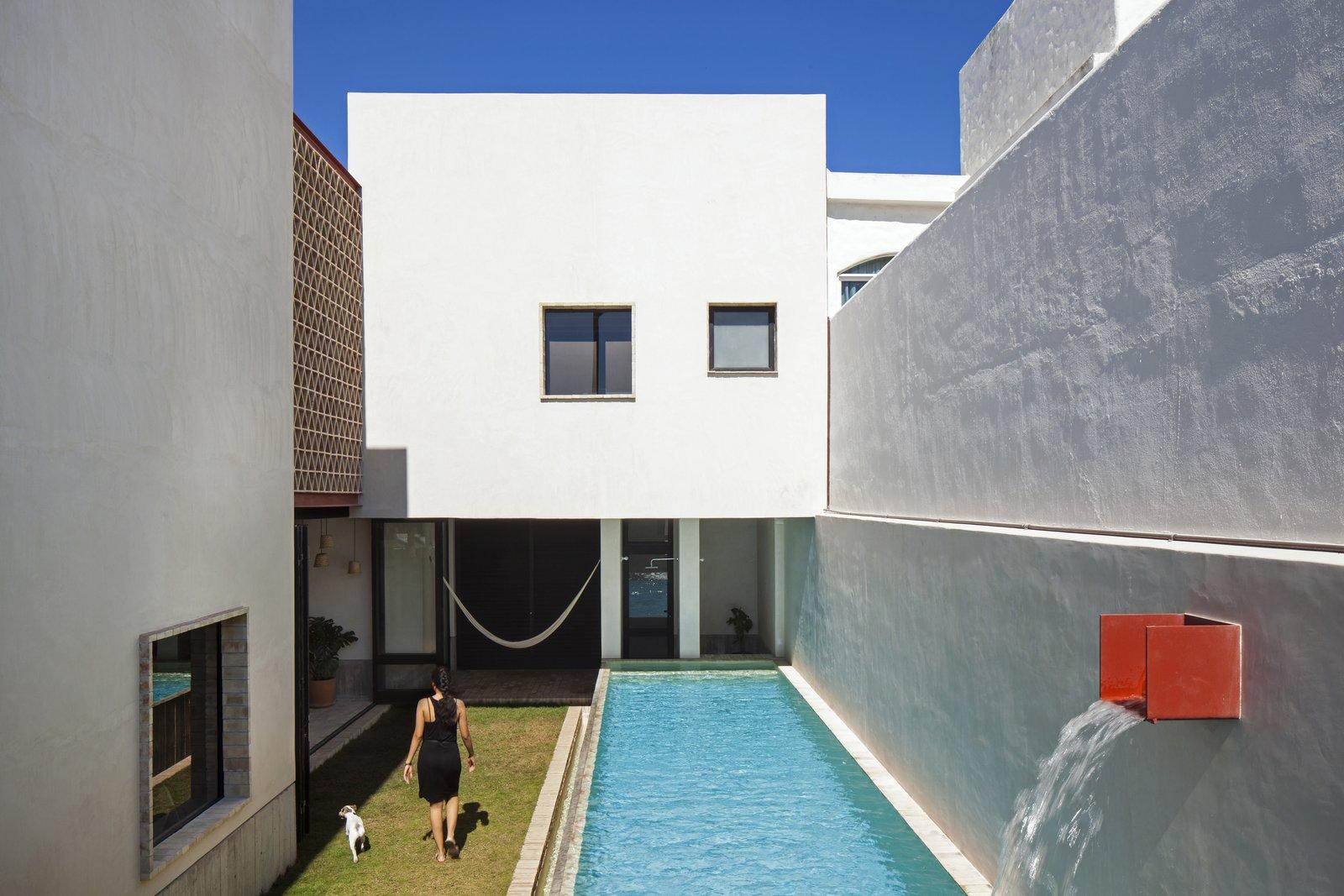 Outdoor and Small Patio, Porch, Deck Patio.  Casa Iguana by OBRA BLANCA