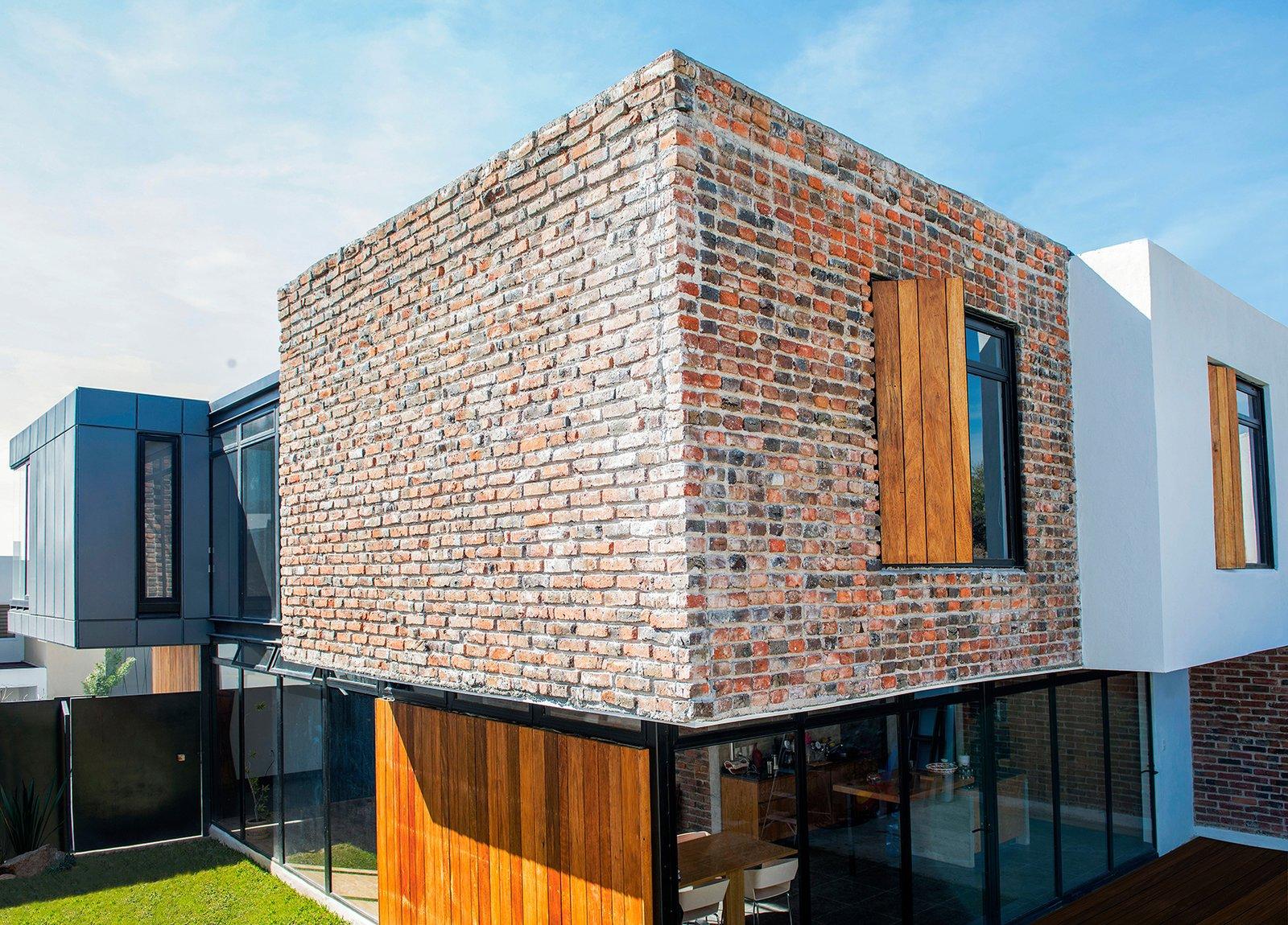 Outdoor, Back Yard, Garden, Grass, and Gardens South East Facade  Casa MA by e|arquitectos