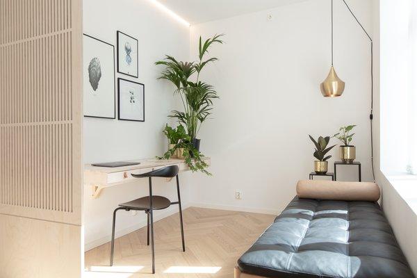 Bedroom/work space. Relaxing work enviroment.