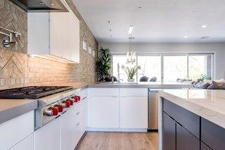 20 Dynamic Kitchens With Exposed Brick Backsplashes Dwell