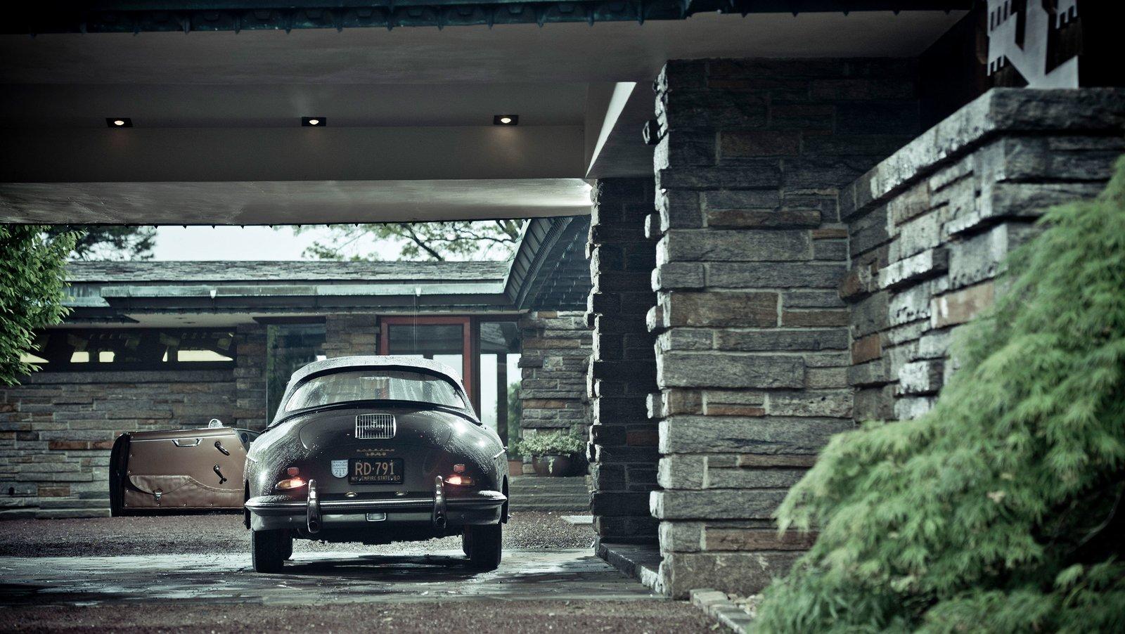 Max Hoffman House driveway