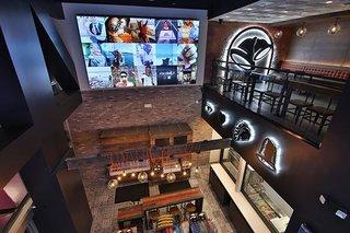 Taco Bell's Las Vegas Cantina restaurant is a wedding hot spot.