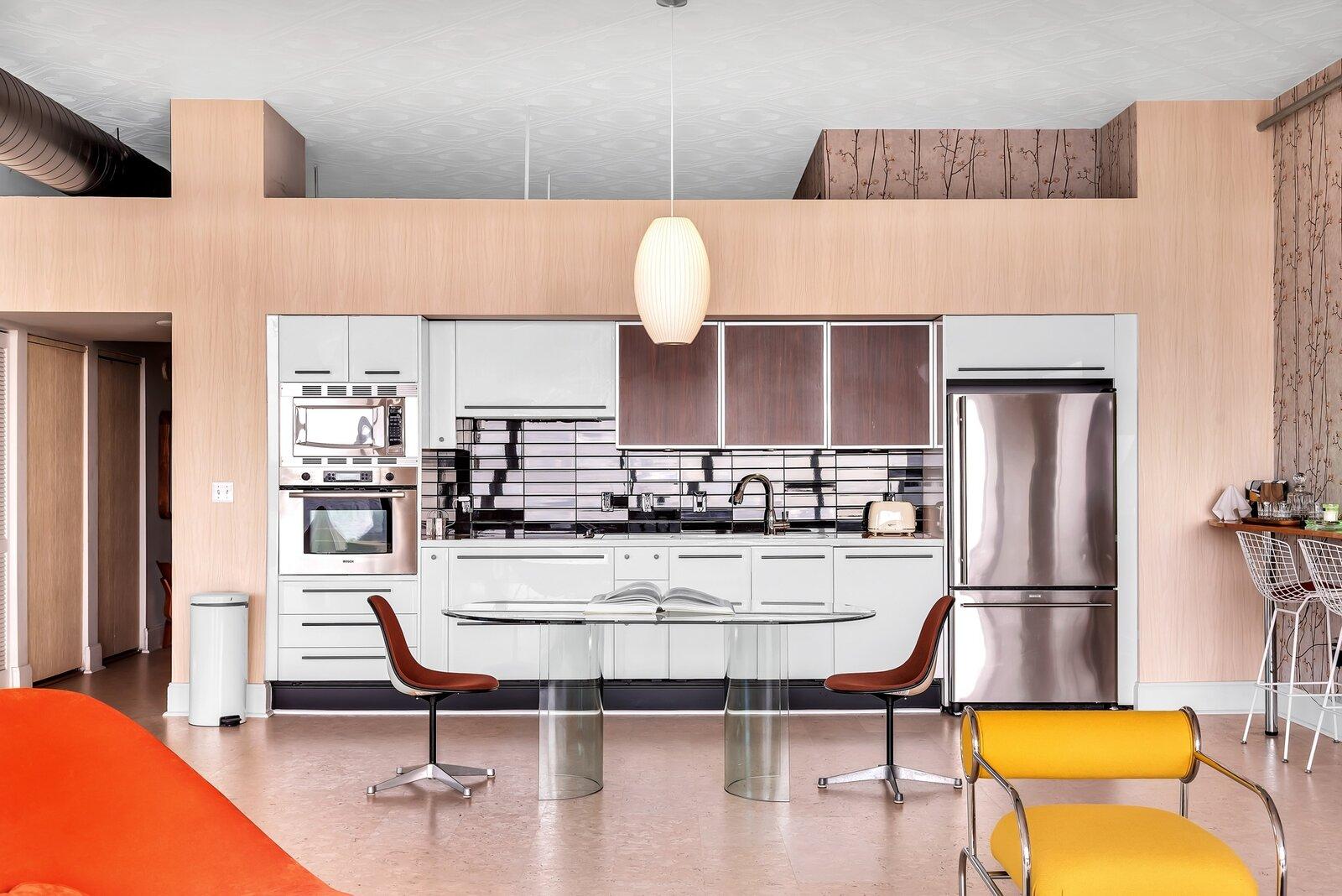 """Christopher """"Flore"""" Florentino's Ghost Studio in Miami - kitchen"""