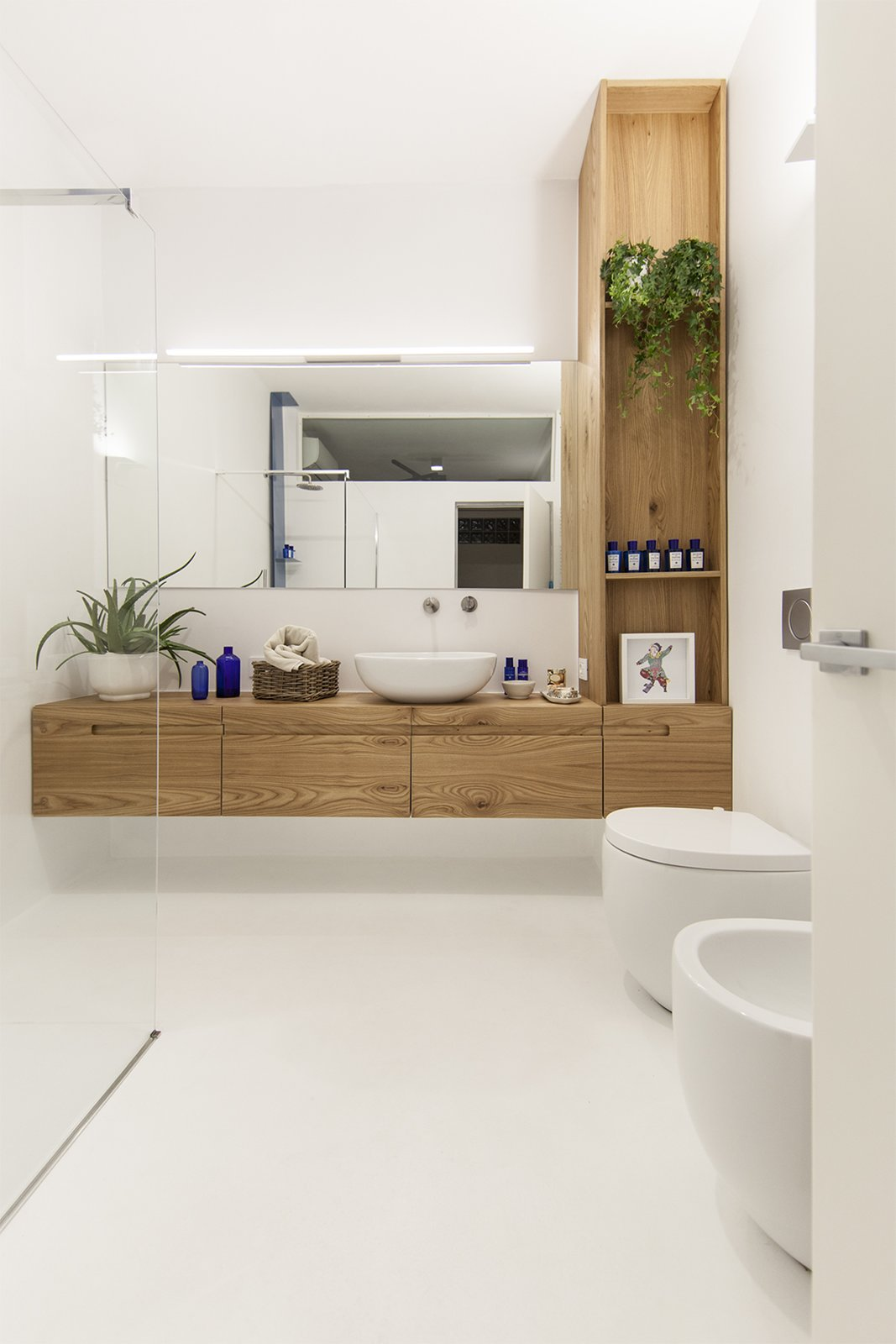 Bath Room and Open Shower bathroom  Iterior DM by Didonè Comacchio