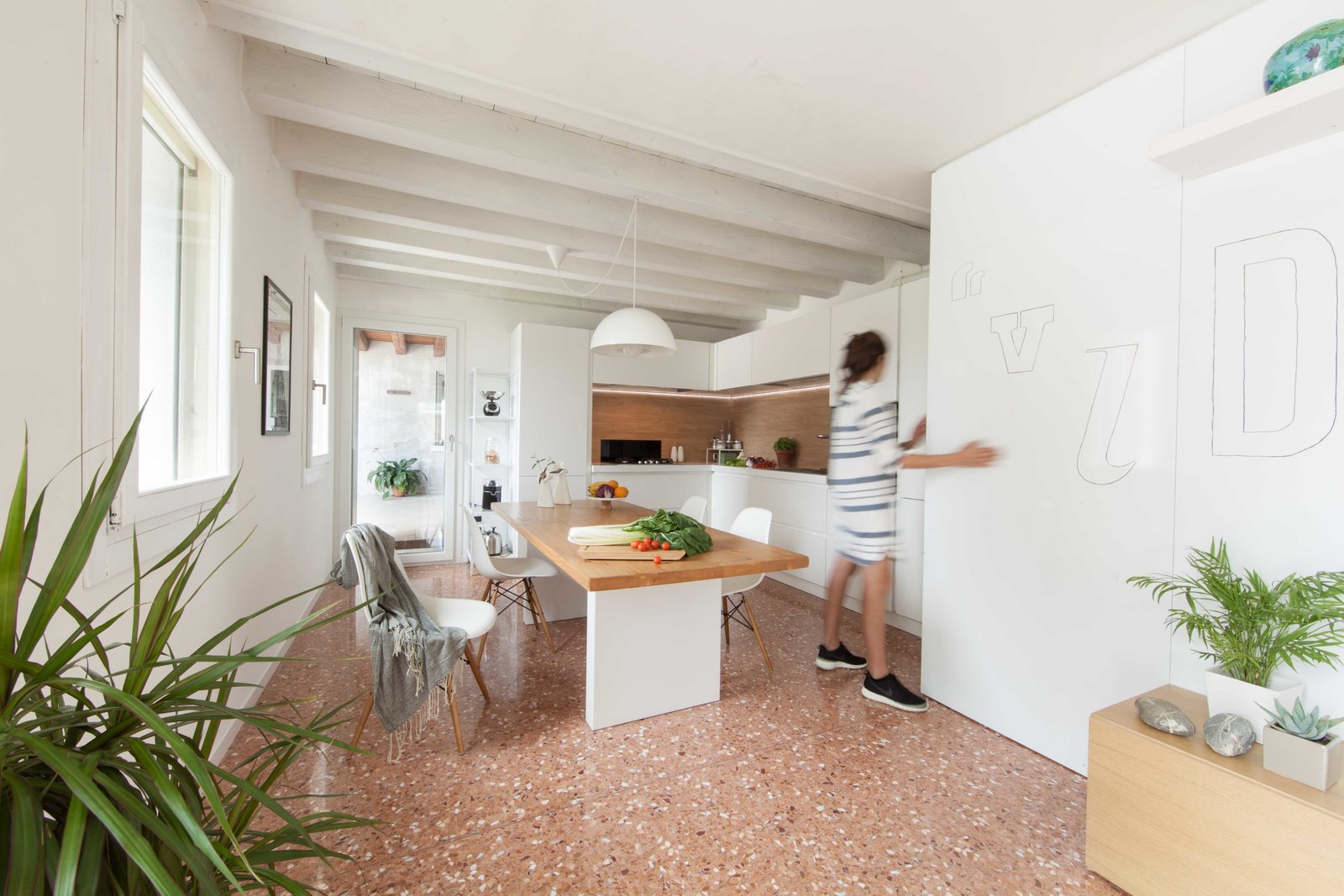 Kitchen, Pendant Lighting, and Marble Floor kitchen  House PB by Didonè Comacchio