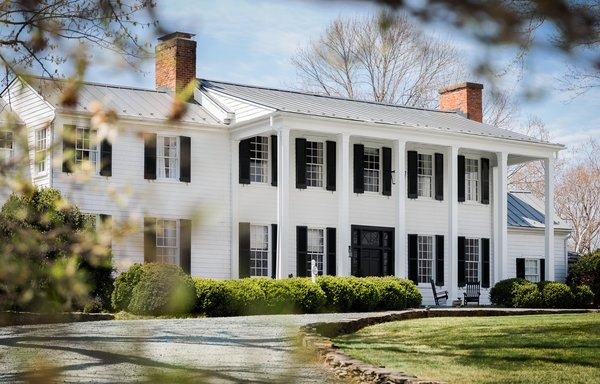 After a change of ownership, the historic inn was shut down temporarily for a cosmetic refresh by Blackberry Farm Design.