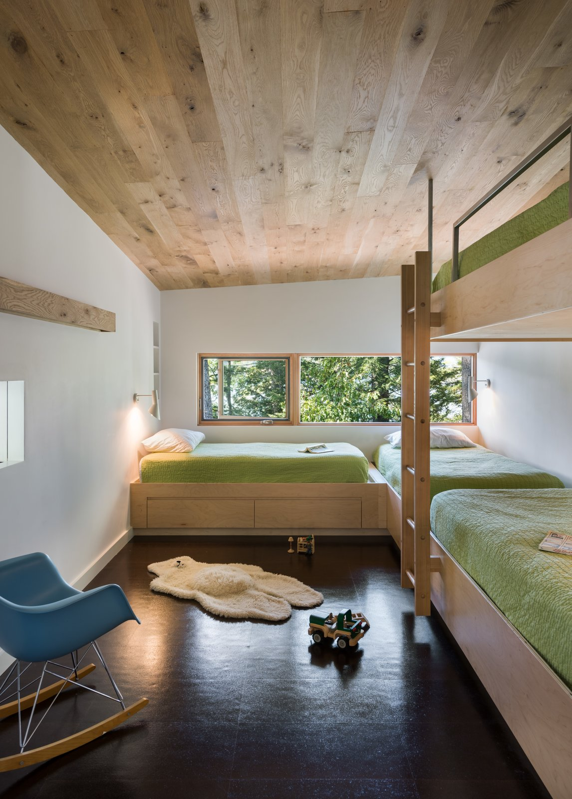 Modern Cabin kids room bunk beds