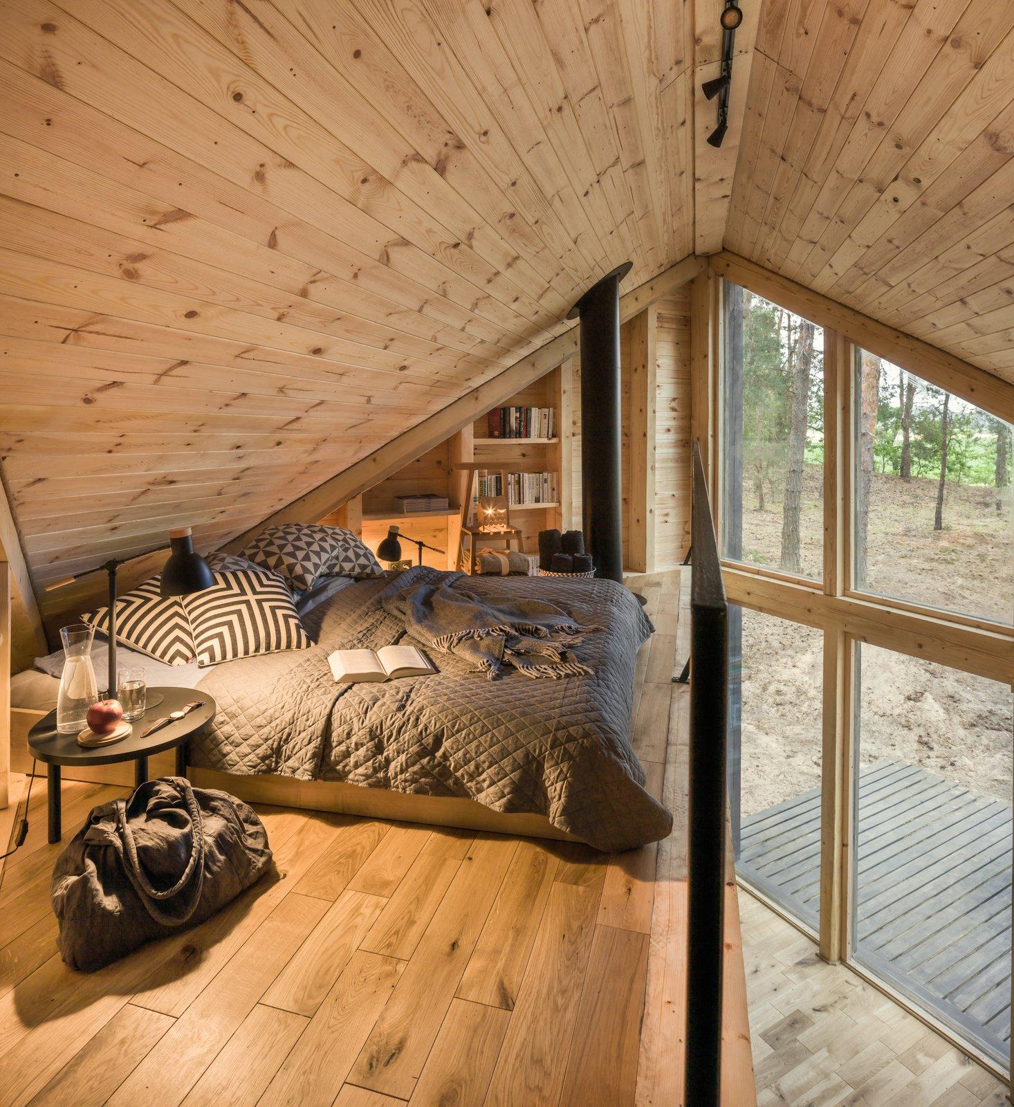 Bookworm Cabin loft