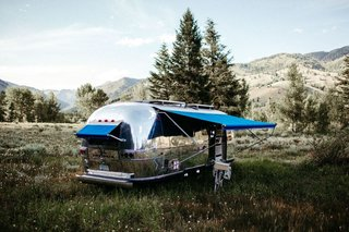 Based out of Sun Valley, Idaho, the owners of Traverse Design + Build took on a personal project, renovating a 1971 Airstream Overland.